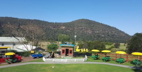 Wisemans-Ferry-Inn-Gardens-lunch-family-eat-cafe-hawkesbury