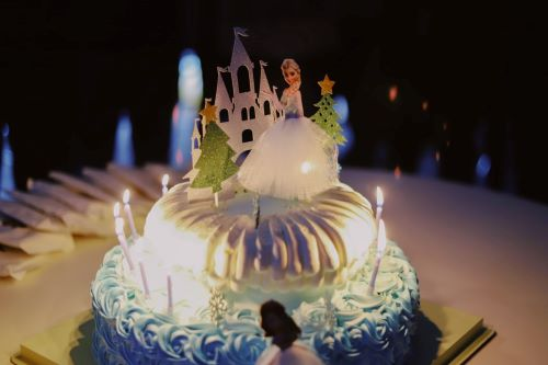 Frozen-theme-birthday-cake-1