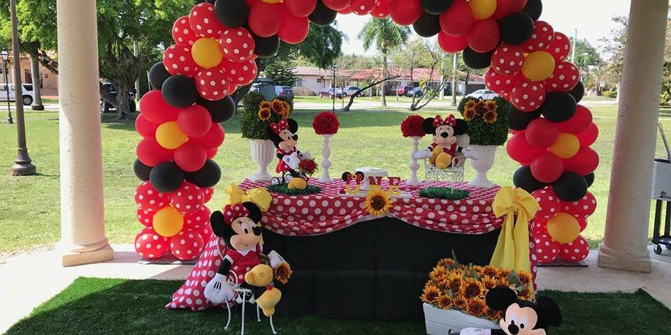 Party rentals in Miami balloons decorations