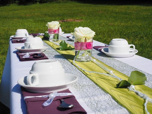 rectangular-wedding-table-linens