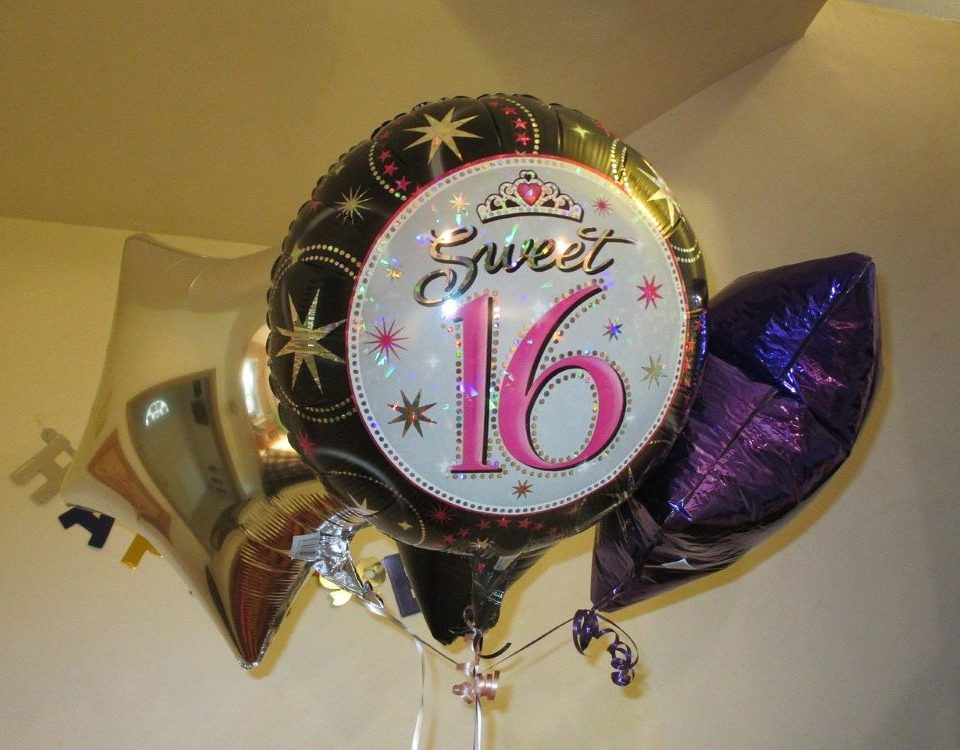 Sweet-Sixteen-balloons