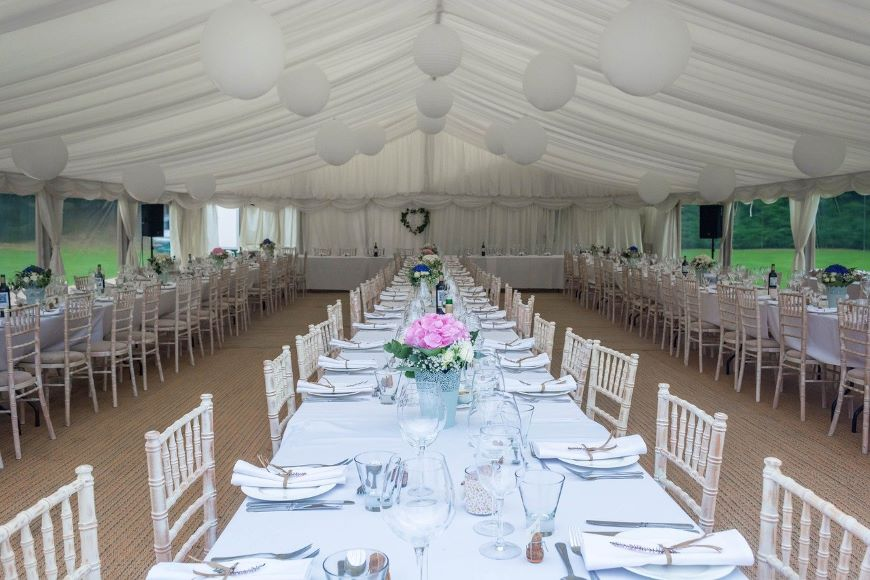 party Tent rentals in Miami experts planning a dinner party