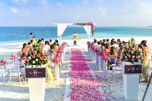 beach wedding in the day