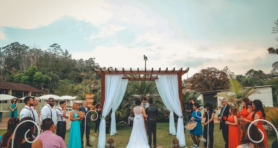 budget-friendly wedding tips