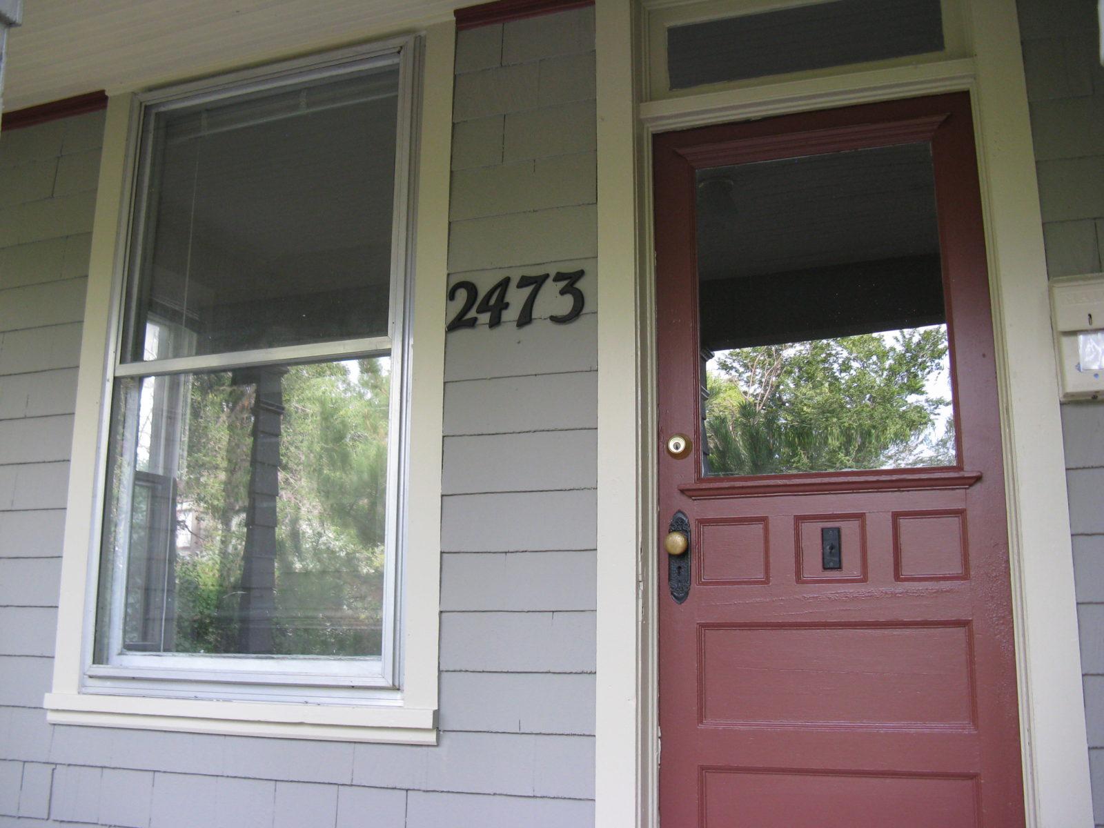 2473: Porch Entry