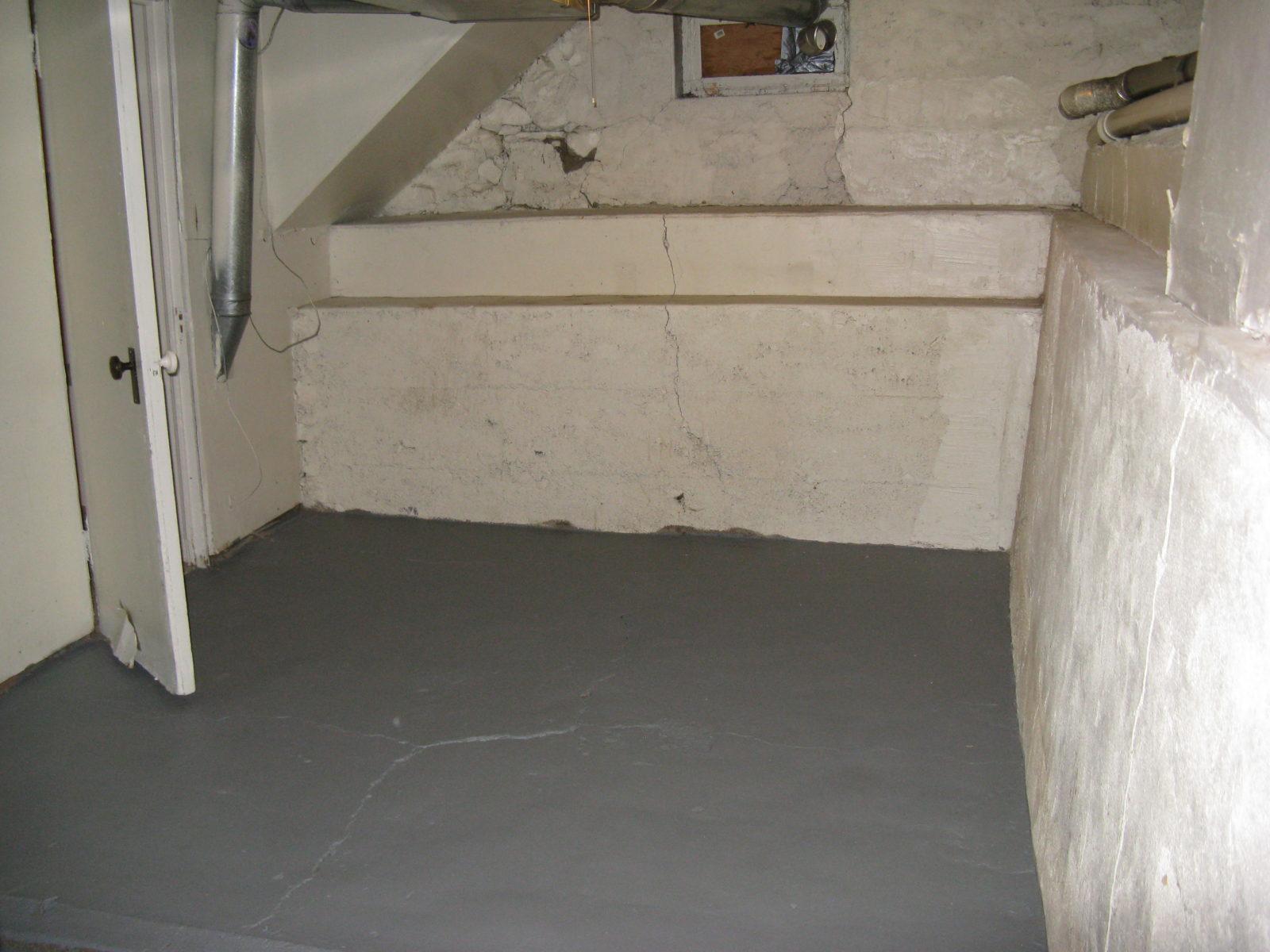 2473: Lower Level Storage Room
