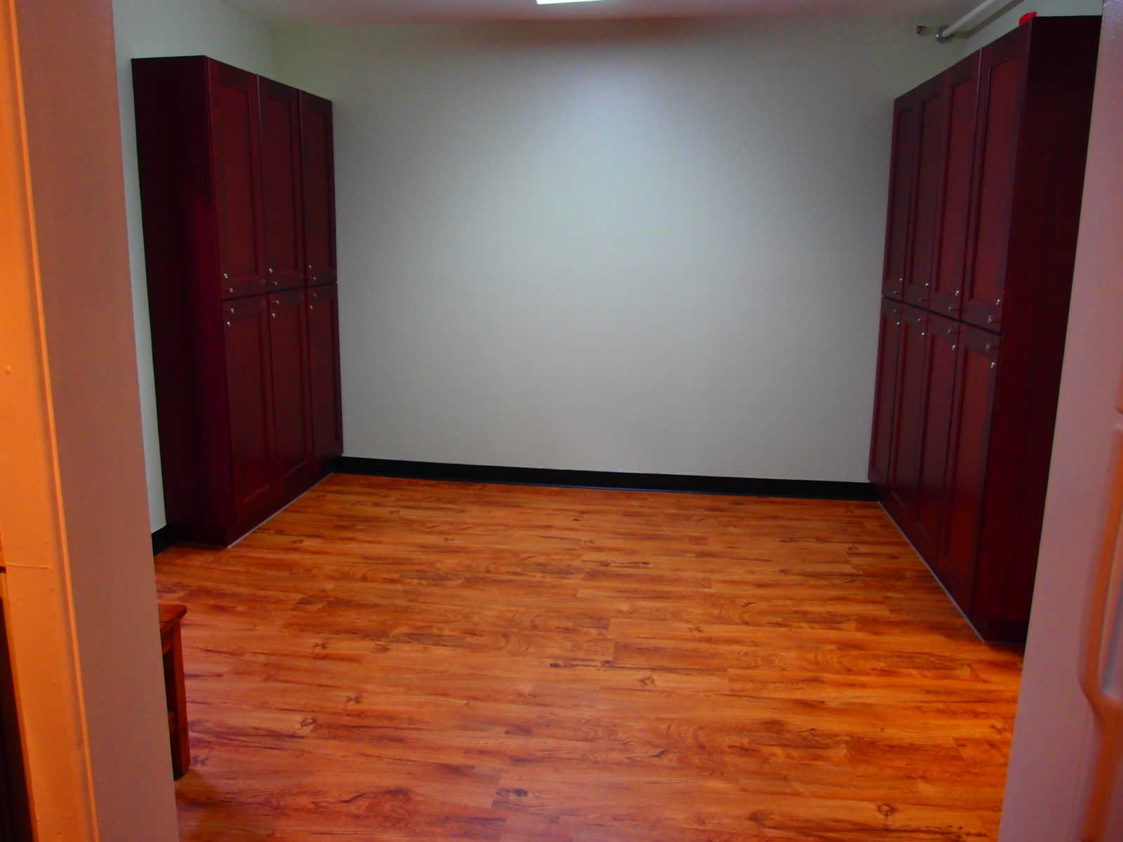 909 female kitchen lockers
