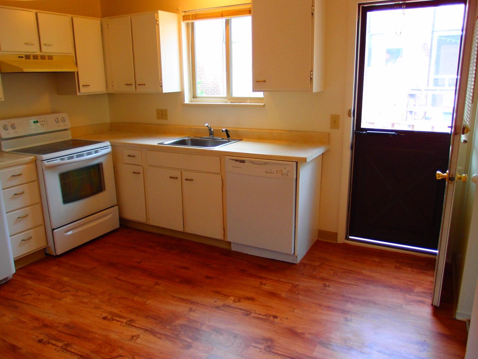 3145 Kitchen to Deck