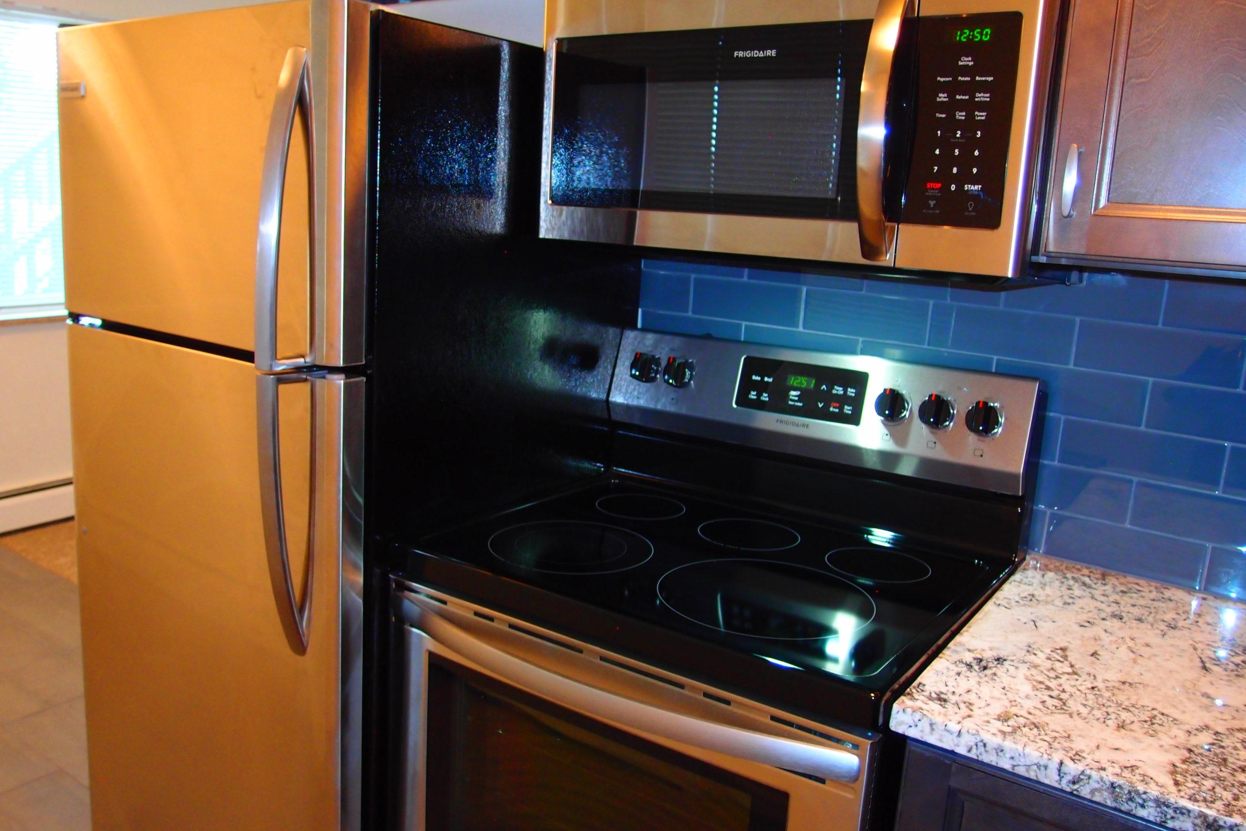 Spruce 2 Kitchen Appliances