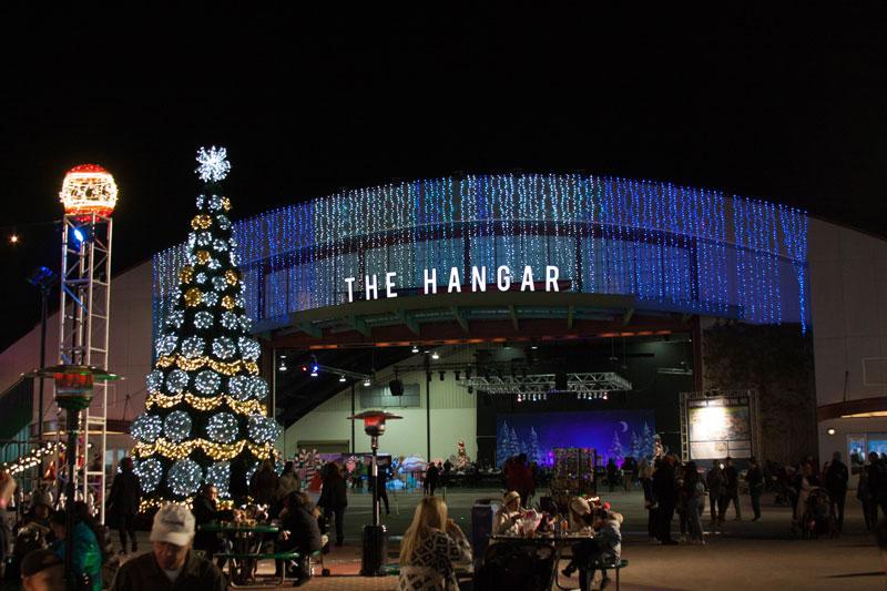 christmas-party-hangar