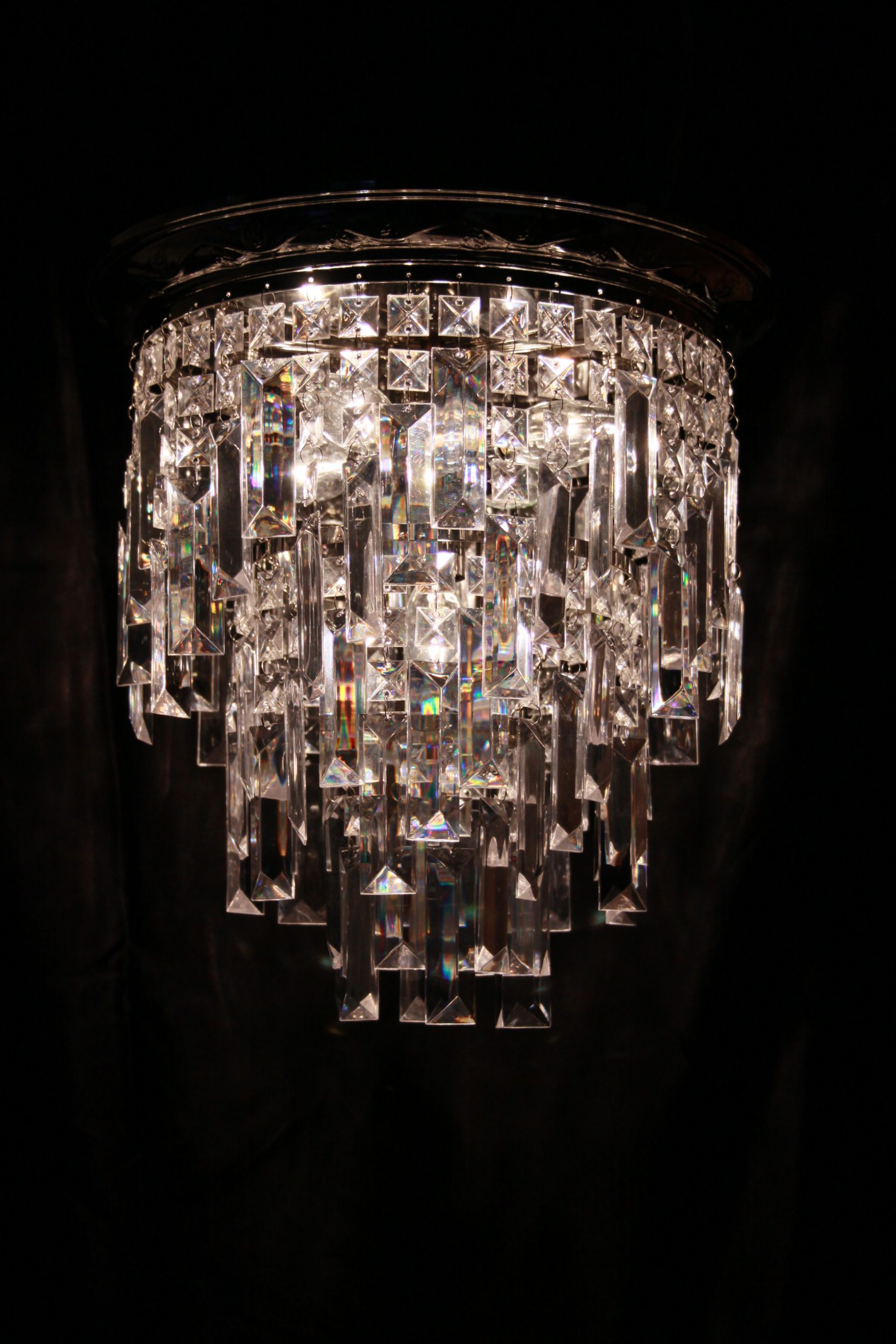 Medium chandelier