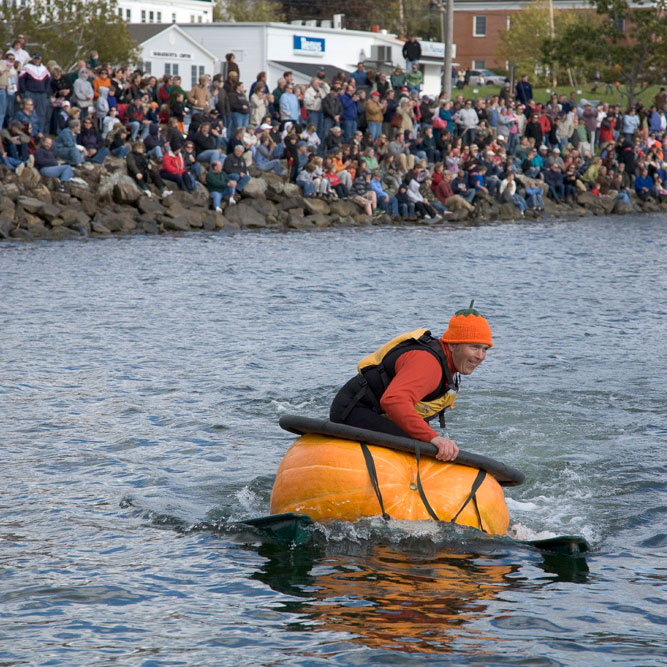 Pumpkin boats Regatta 5