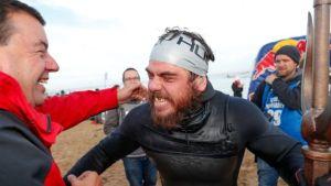Ross Edgley: nuota per 5 mesi e fa il giro intorno alla Gran Bretagna