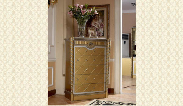 Classic Bedroom E1600