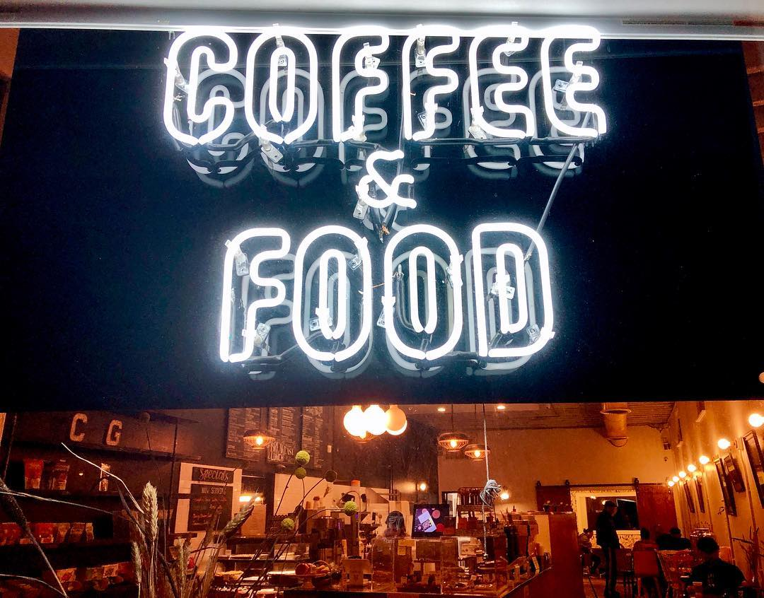 Hire The Best Coffee Shop In Pasadena For Your Movie Production