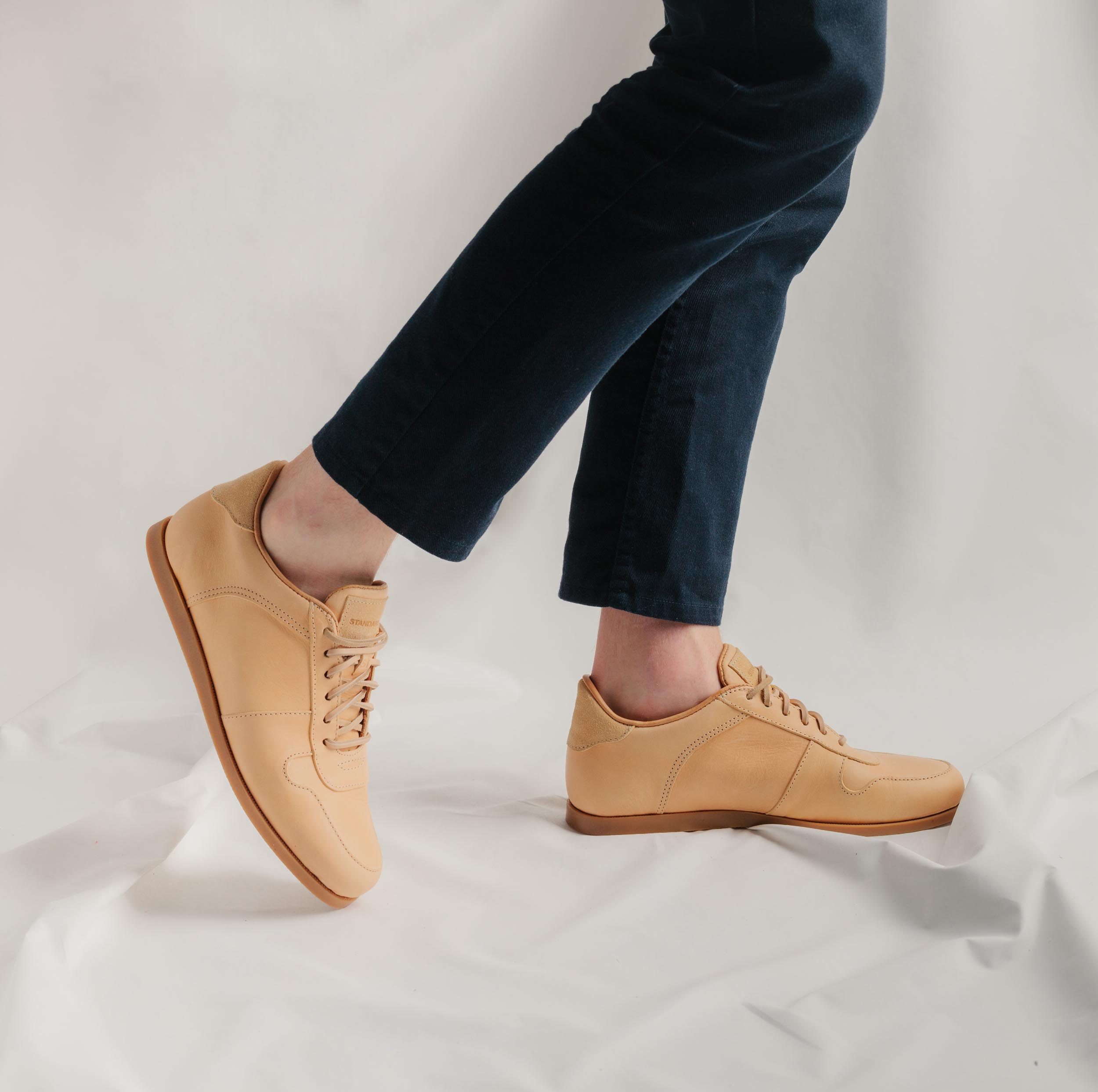 honey-on-foot-profile