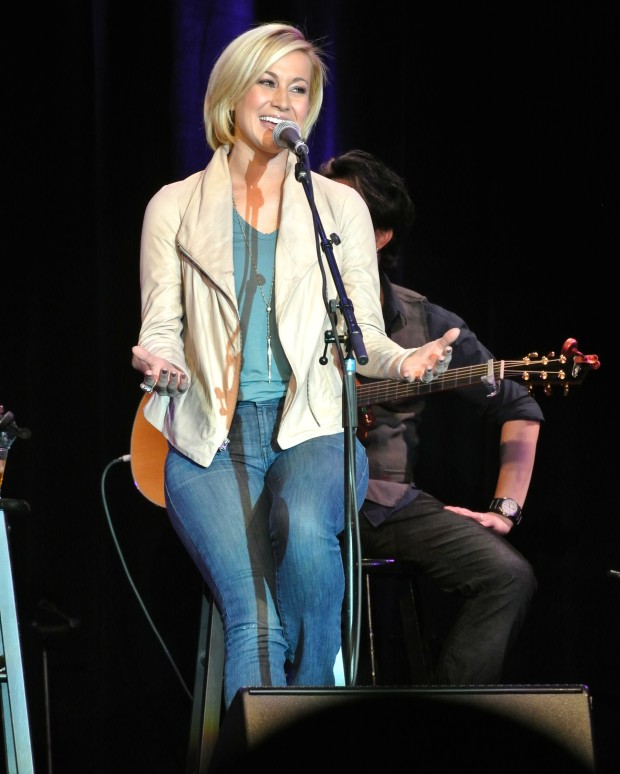 Gary Allan and Sheryl Crow headline 6th annual Guitar Pull