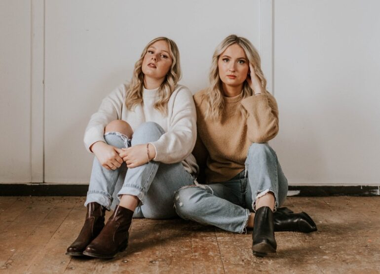 Jess and Tay publicity photo
