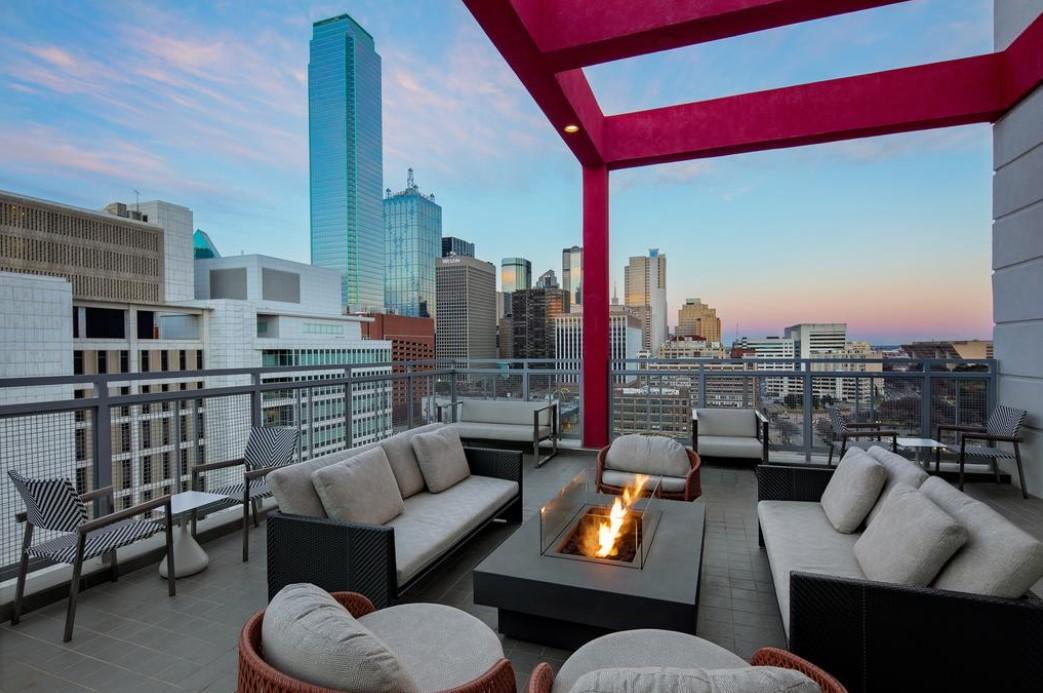 Courtyard by Marriott in Downtown Dallas
