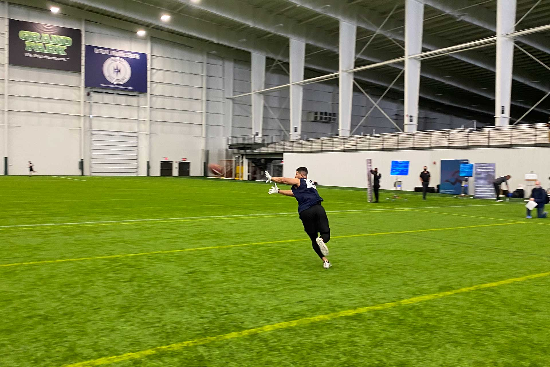 2021 National Scouting Combine WR & TE Combine Drills
