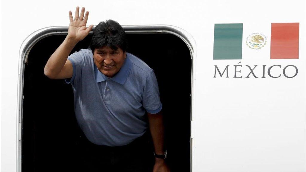 Llega Evo Morales a México «Me salvaron la vida» afirma