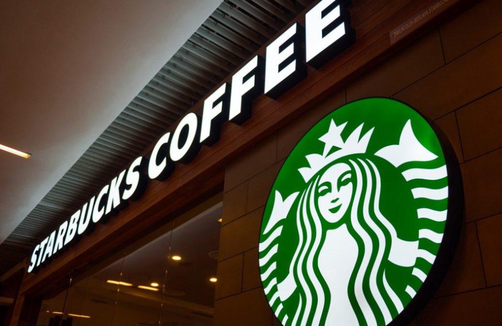 Grupo Alsea propone descansos de 30 días sin goce de sueldo, redes sociales llaman a boicotear Dominos Starbucks Burguer King entre otras