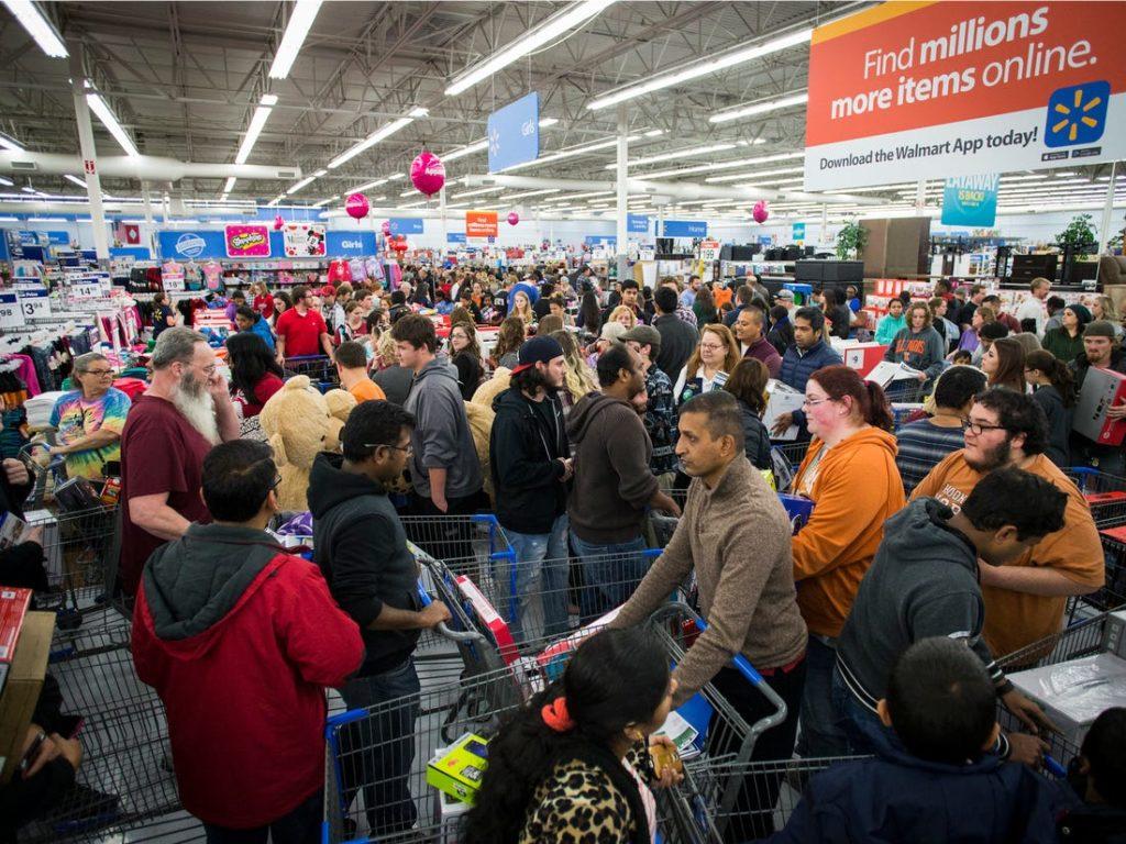 Unos pierden y otros ganan: dueños de Walmart incrementan su fortuna en medio de la crisis