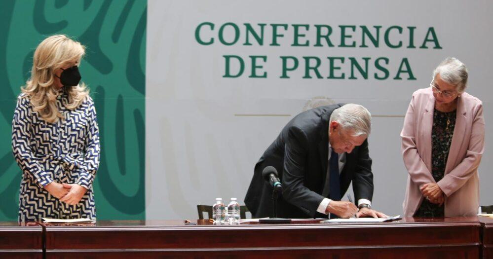 Se compromete Obrador y gobernadores a garantizar elecciones libres, firman Acuerdo Nacional por la Democracia