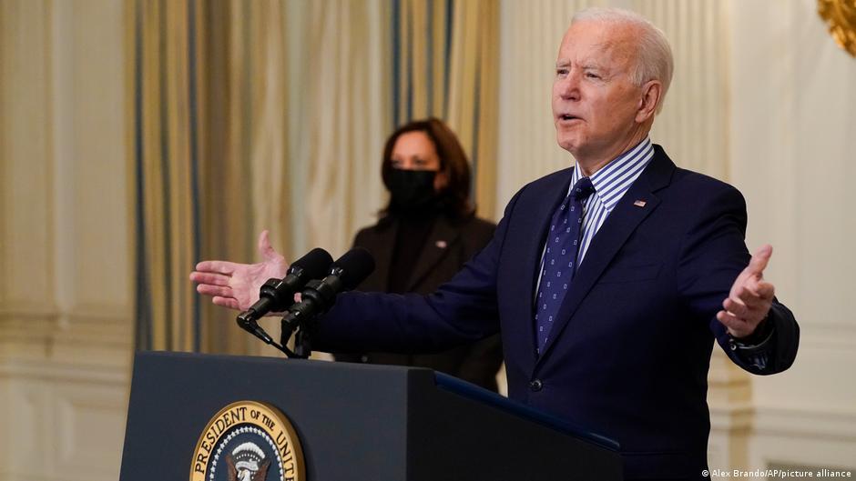 Ante el hambre y violencia en Venezuela, Biden concede permiso migratorio TPS a 320,000 venezolanos