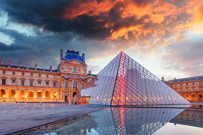 Cultura: El museo de Louvre de París pone en línea toda su colección de arte