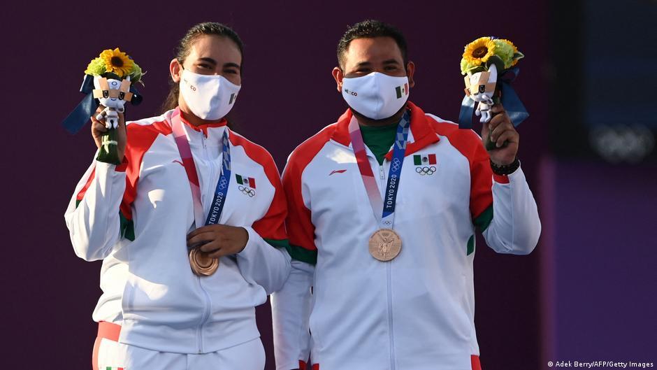 México gana su primera medalla en Tokio 2020, conquista bronce en tiro con arco mixtos