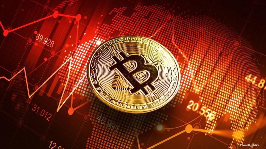Cae 18% el Bitcoin y El Salvador sufre por la volatilidad de la criptomoneda