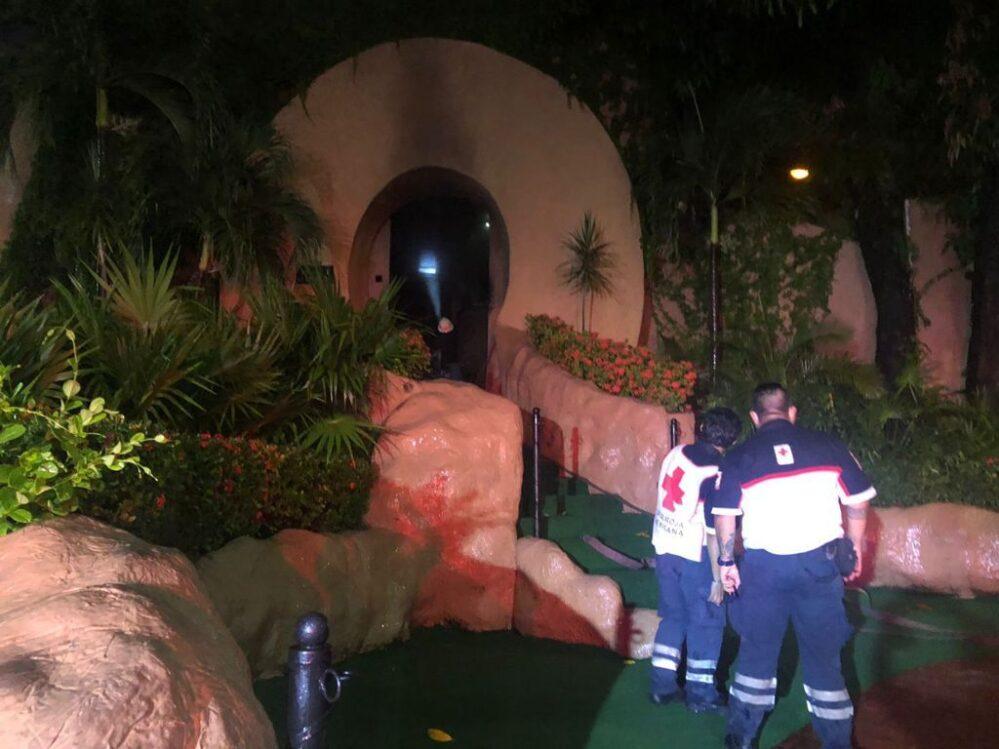 Ardió la famosa discoteca Baby'O de Acapulco, es pérdida total