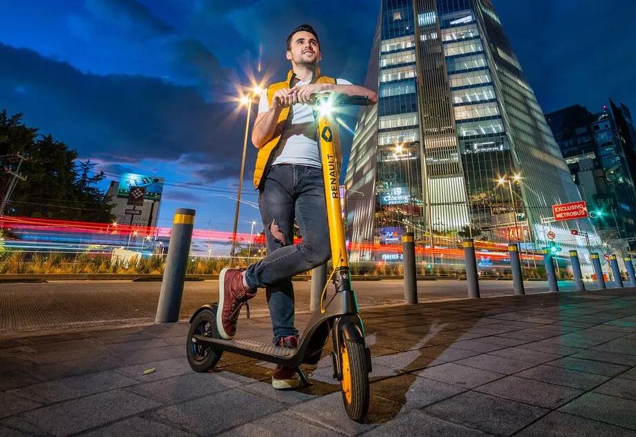 Renault presenta nuevo scooter eléctrico para movilidad en ciudades