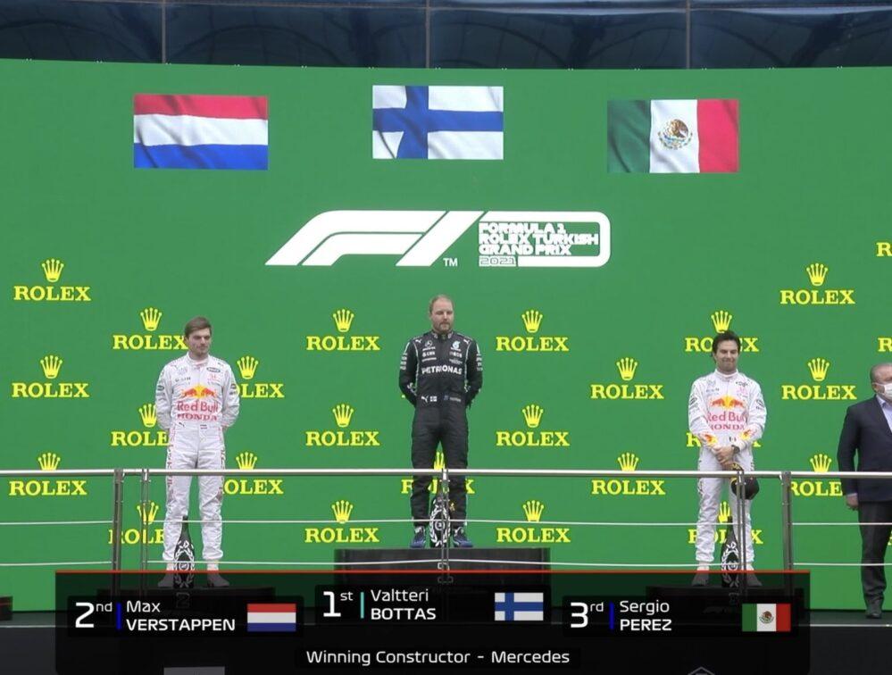 Checo Pérez, tercer lugar en Gran Premio de Turquía, Bottas gana y Versttapen segundo