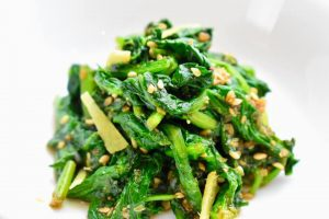 blanched spinach dressed in sesame sauce