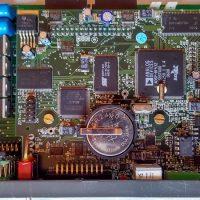 """4004.06BF - CPU 32bits RISC C/ BATERIA 8E/8S """"P"""" 24 Vcc"""