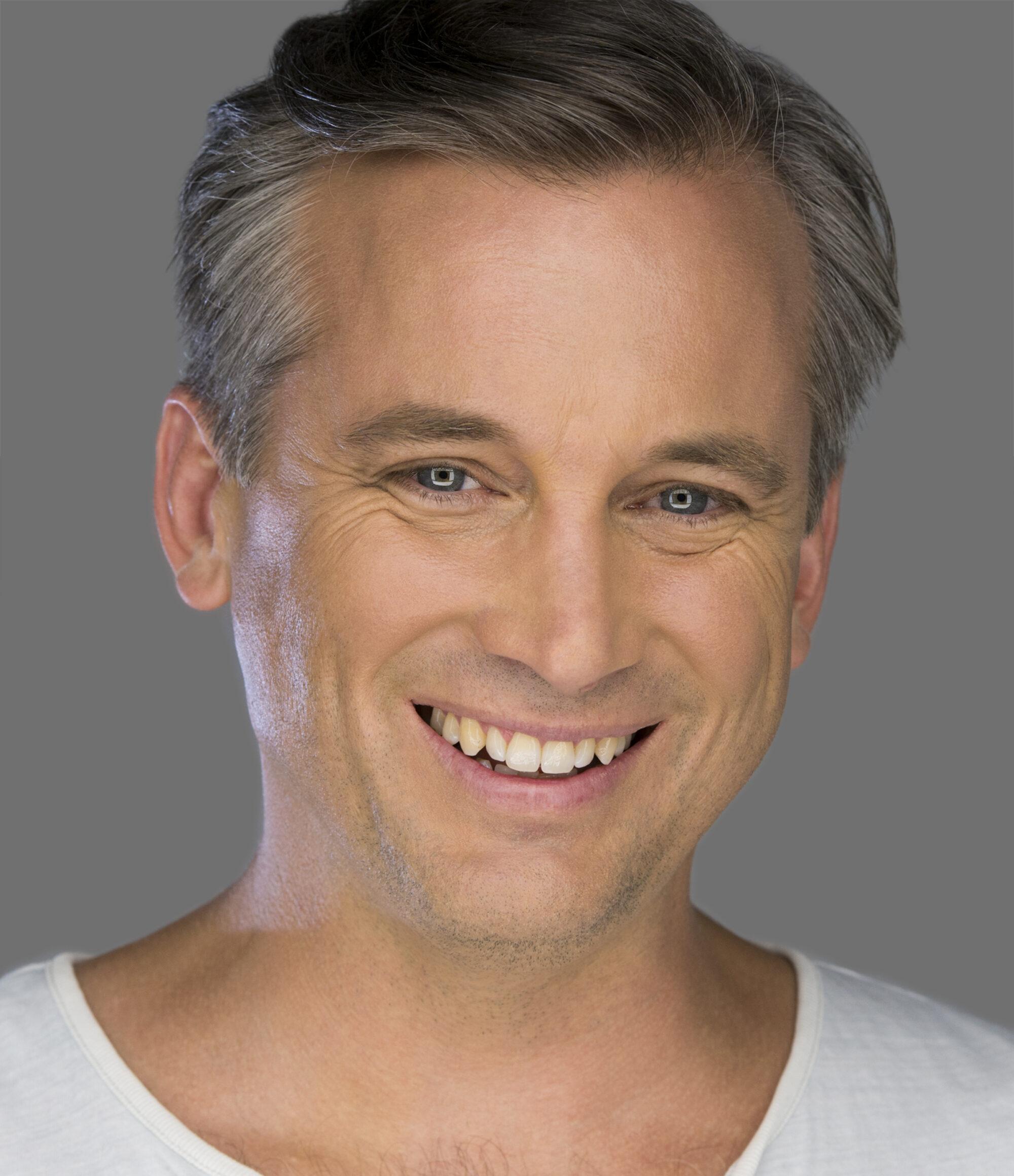 Ian Stenlake