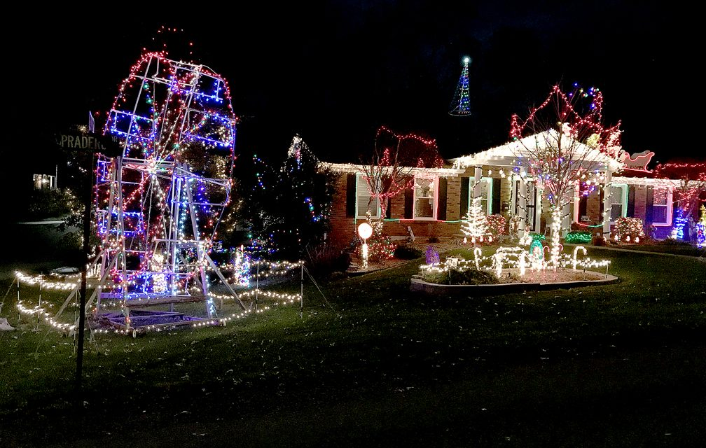 Friends of FRANK: Bob and Lisa Coutts transform property into dazzling display for holidays