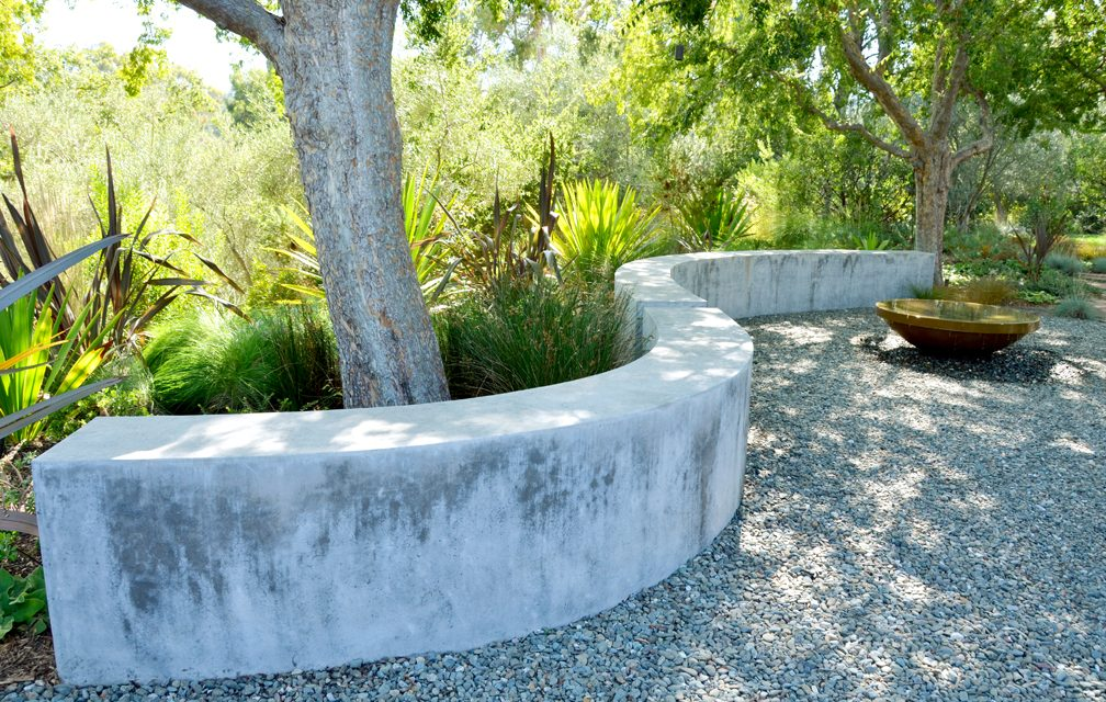 5 ways to use walls in the landscape