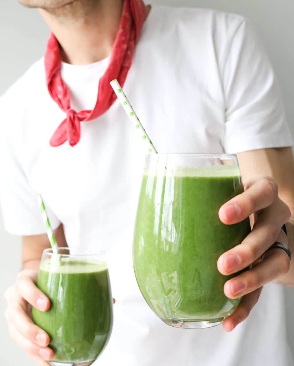 green vegan smoothie recipe wheatgrass health benefits kale