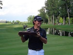DSC02772 Brian Harman trophy pic 1 DS