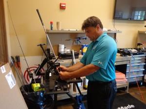 DSC02629 Dan Phillips in club repair DS