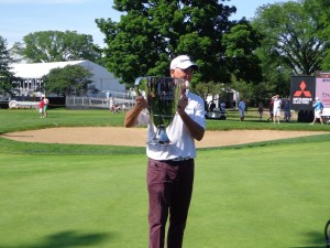 DSC02604 Tom Lehman trophy pic 2 DS