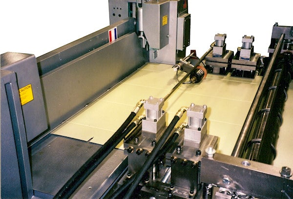 END & CORNER EDGE NOTCHING