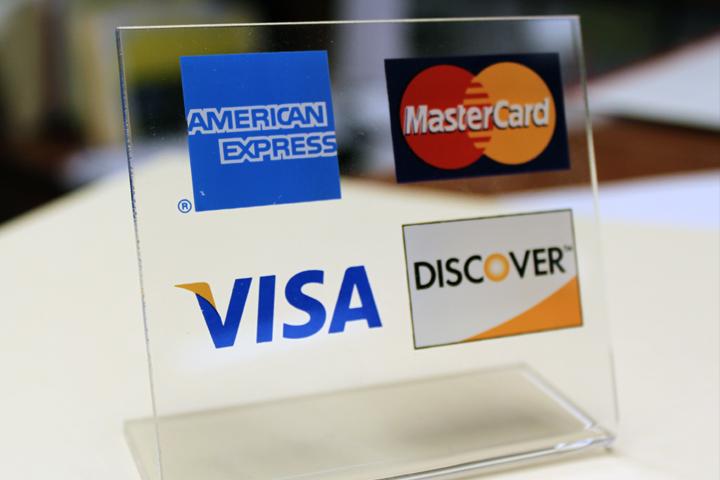 Tips for Avoiding Debt in College