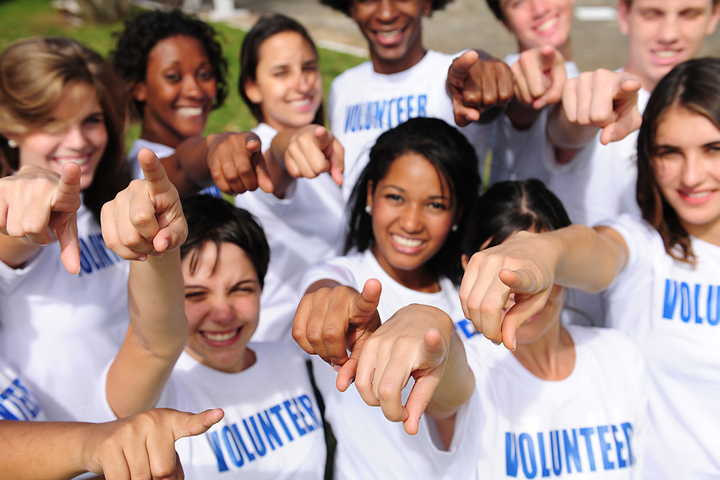 Why Volunteering is Great for Teens