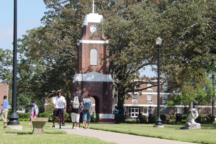 3 Things to Look For During Your College Visit