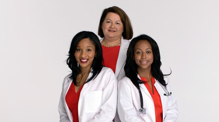 2013 Go Red For Women Scholarship recipients.