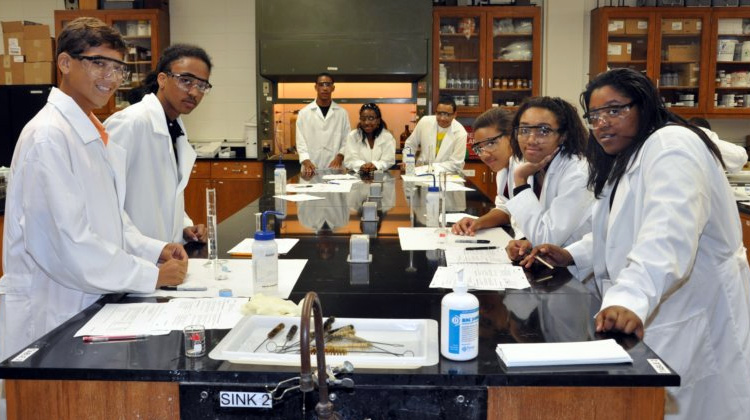 Xavier University College of Pharmacy students in laboratory